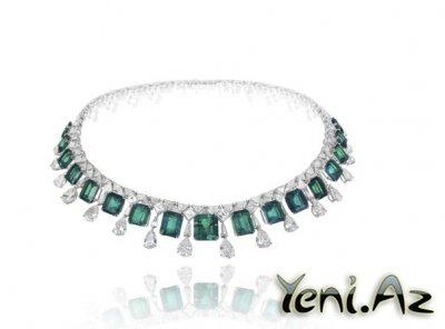 Collar de esmeraldas por Yeni.Az